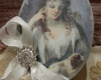 Shabby Chic Oval Decorative Box: Vintage Lady