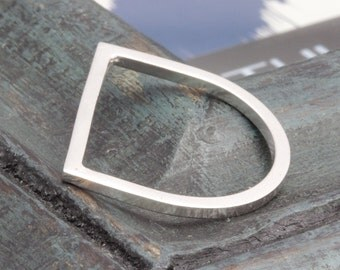 925 sterling silver shiny letter D band ring