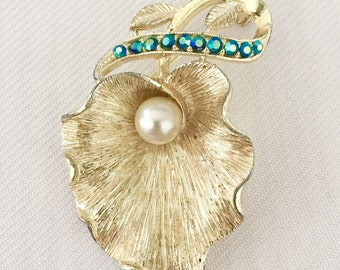 Vintage Flower Brooch with Pearl Center and Peacock Blue Rhinestone Stem  - Bride, Wedding, Mother of the Bride, Bridesmaids