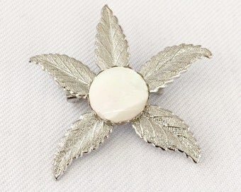 Vintage 5 Leaf  Brooch with Mother of Pearl Center Silver Tone - Bride, Wedding, Mother of the Bride, Bridesmaids