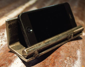 iphone stand, droid stand, samsung galaxy stand, blackberry stand, ships Internationally