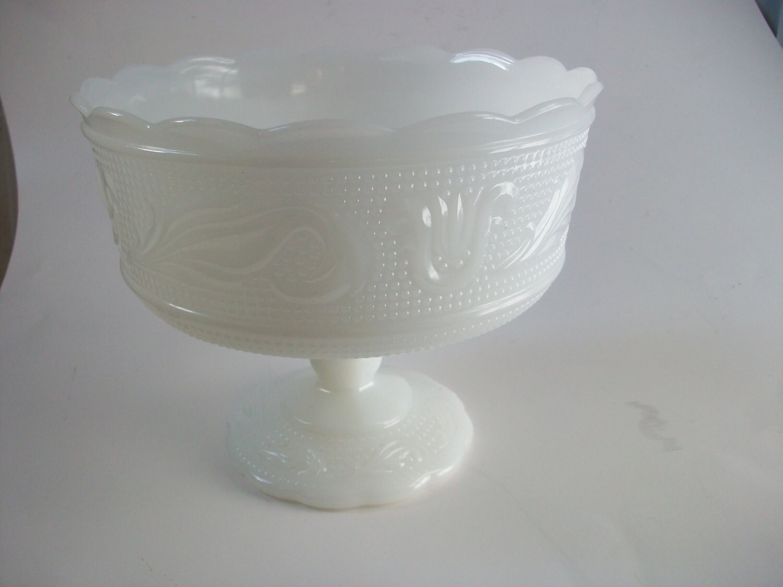 Pedestal fruit bowl centerpiece white milk glass with