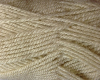 Plymouth Encore acrylic wool/worsted weight yarn (1202 off white)