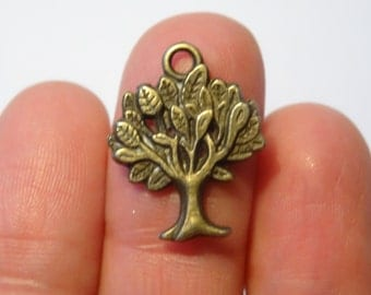 8 Antique Bronze Tree Charms - 22x17mm - Ref BC002