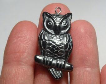 1 Natural Hematite Gunmetal Owl Charm - 3.6cm x 1.9cm - Ref SC352