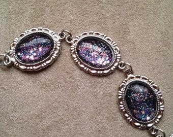 Silver tone cabachon bracelet