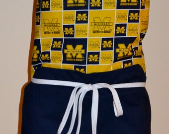 University of Michigan Full Apron with Contrasting Pocket