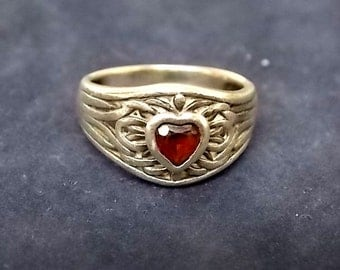 Vintage Estate .925 Sterling Silver Ring With Maroon Stone, 3.7g E1688