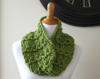Knit Cowl, Chunky Cowl, Green Cowl, Circle Scarf, Chunky Infinity Cowl, Hand Knit Cowl, Cabled Cowl, Women's Knit Cowl, Women's Cowl