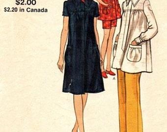 Vogue 8079 Mommy to Be Maternity Dress, Top, Pants & Shorts / ca. 1969 / SZ10 UNCUT