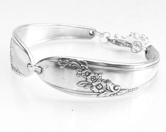 Spoon Jewelry, Silver Spoon  Bracelet , Cutlery Jewelry, QUEEN BESS,  Antique Spoon Bracelet, Spoon Bracelet, Vintage Silverware  Bracelet,