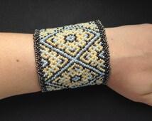 Romantic huichol bracelet pattern