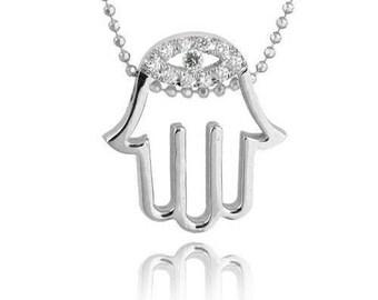 14k Gold Hamsa Necklace: Set with 0.11 ct Diamonds