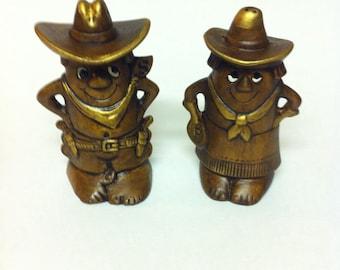 Treasure Craft Ceramic Hand Painted  Salt And Pepper Shakers / Cowboy Salt And Pepper Shakers / Cowboy Kitchen / Shaker Set