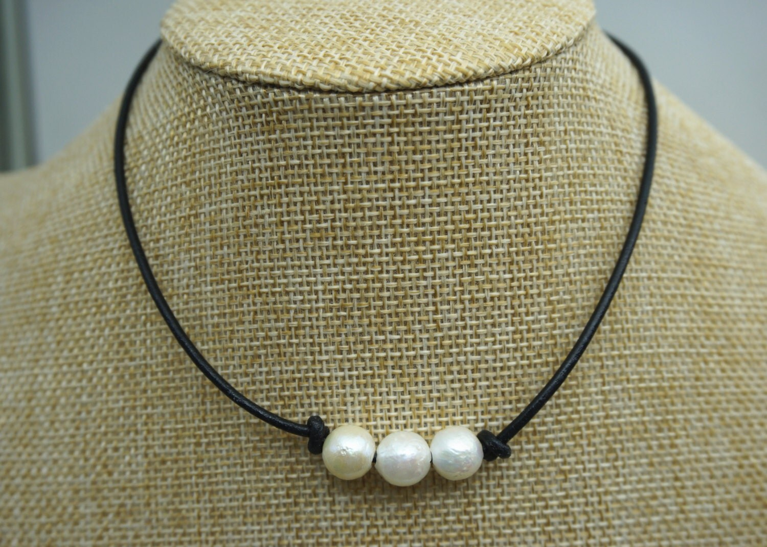Three pearl necklace Leather Pearl Choker Pearl Leather