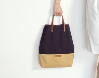 MIKANU Handbag, waxed/wool