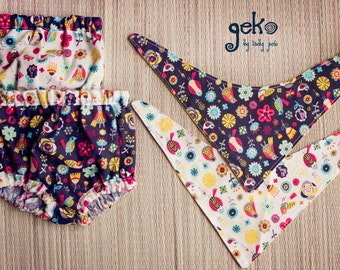 Two sets of panties cubrepanal and bib games, algondon with cheerful print fabric.  Elastic and adjustable