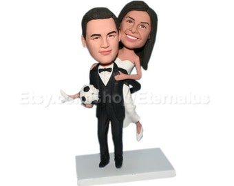 Custom Bride and Groom Cake Toppers ,  personalized wedding wedding cake toppers,  wedding present cake topper based on your pictures
