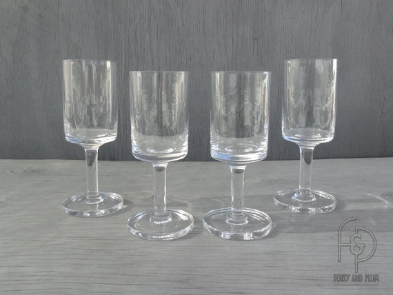 Scandinavian modern wine glasses squared off bowl thick for Thin stem wine glasses
