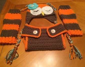Sleeping owl hat, diaper cover and leggings