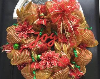 Gold mesh Christmas wreath.
