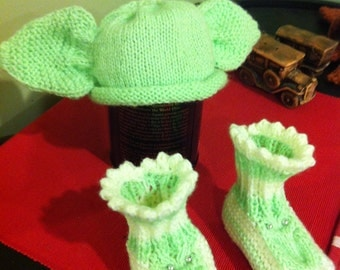 Adorable Crochet Baby Yoda Hat and Booties Set
