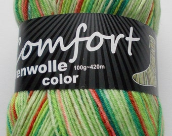 sock yarn, green tones, 4ply (215.01)
