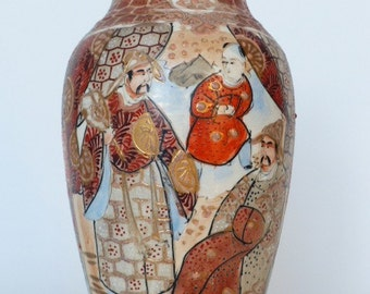 Satsuma vase. Antique japanese vase from the Meiji period.