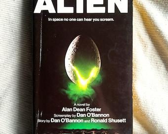 ALIEN (Paperback Novelization by Alan Dean Foster)