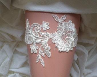 Ivory  garter lace garter flower modern garter Lolita prom bridesmaid bridal garter  burlesque  garter free ship