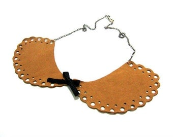 Charming leather necklace, collar necklace, bib necklace, statement necklace, leather lace collar
