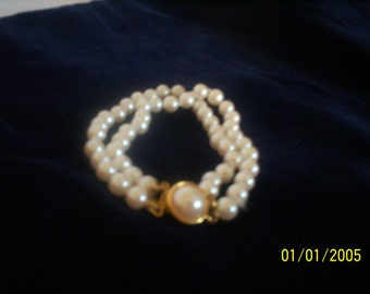 Double strand Carol Lee Glass Pearl Bracelet