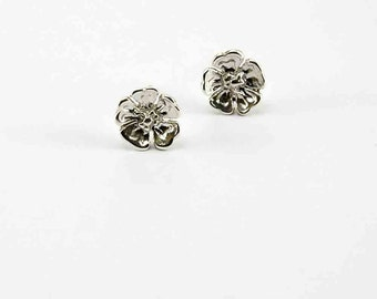 Rounded petal flower stud earrings in 925 sterling silver