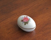 Porcelain Trinket Box, Porcelain Egg, Ring Box, Jewelry Box, Easter, Gifts of Love, Valentine's Day, Gift Box, Porcelain Box, Lidded Box