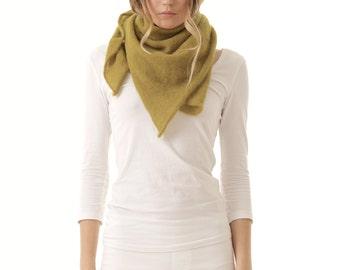 ROSY TRI Kidmohair triangle scarf