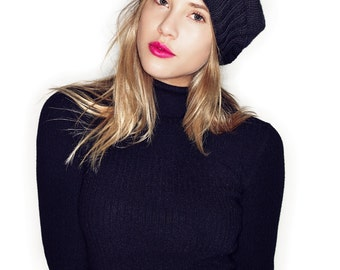 Slouchy black beret: hand knitted