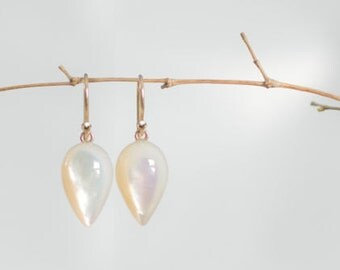 14K Solid Gold Mother of Pearl Earrings 18K, Mother of Pearl Earrings, 14K MOP Pointy Drop Earrings, Bridal Earrings, Solid Gold Earrings