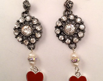red heart card playing earrings,Queen of hearts jewelry/playing card  jewelry/poker jewelry/bridge game jewelry/heart jewelry/pearl earrings