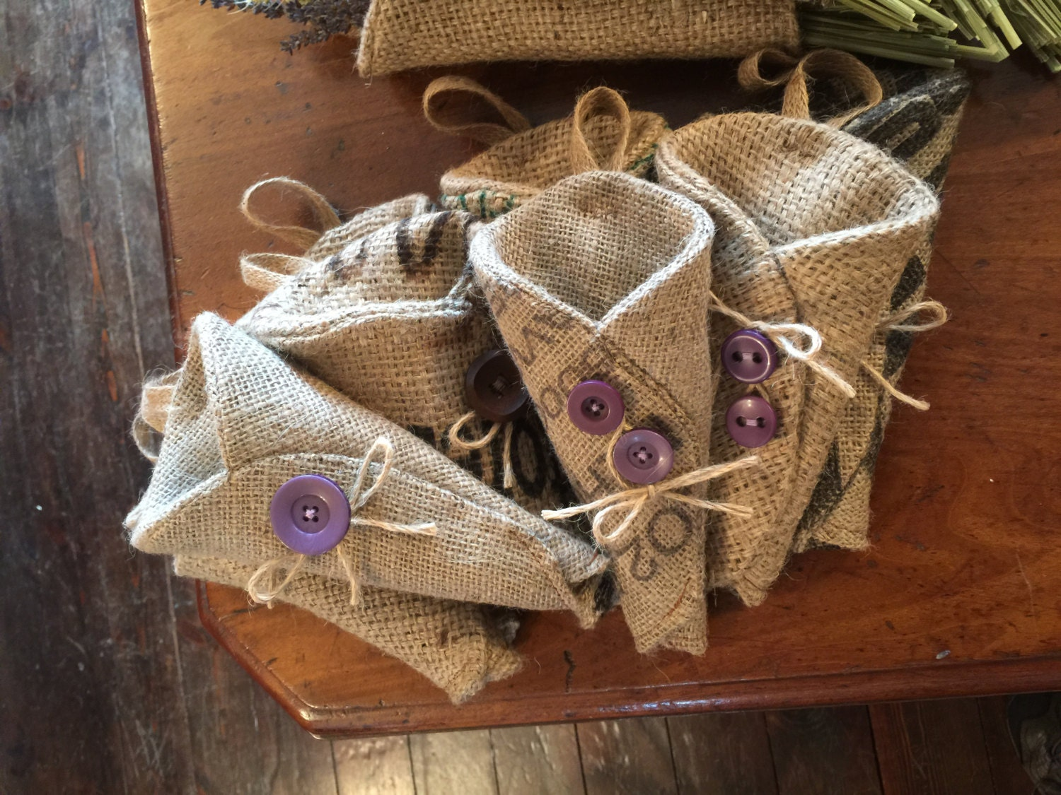 Hessian pew ends dried flower holder by theburlapandbeanco for How to make hessian flowers