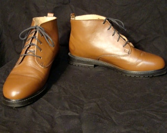 1980s Us 8.5 Uk 6.5 EU 39 brown ankle boots // leather lace up  // fauxyfurr vintage ls15-1014yy