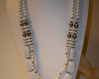 White Retro Necklace Vintage White Necklace 2 Strand Vintage White Necklace White & Silver Lucite Beads Mod White Necklace Mother's Day Gift