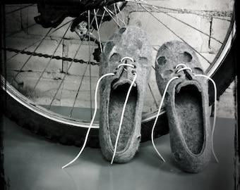 Handmade felt wool shoe slippers Moon Craters sneakers Natural wool handmade shoes