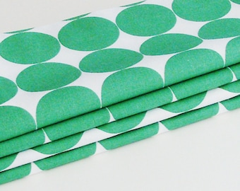 Emerald Green Circles Cotton Napkins / Set of 4 / Crisp Modern Trendy Eco-Friendly Table Decor / Unique Gift Under 50