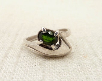Size 5.5 Vintage Sterling and Emerald Ring