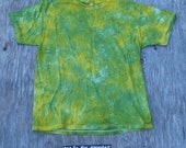 Across the Pond Multicolored Scrunch Tie Dye T-Shirt (Jerzees Size XL) (One of a Kind)
