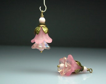 Vintage Style Bead Dangles Pink Lucite Flowers Pair PK0020