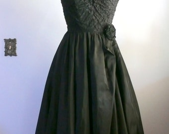 vintage 1950s Dress  // Black Strapless Taffeta Gown
