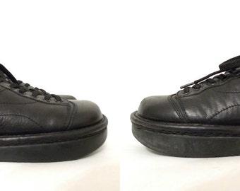 Futuristic Minimalist Shoes Vintage 90s Kalso Earth Shoes. Black Leather Oxford Laceup Shoes. Sz. 7 US Women/ Uniform Flats. Ergonomic