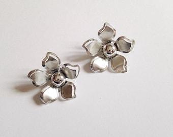Vintage Silver Tone Flower Earrings Clip On