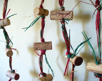Christmad Cork Garland Holiday Mantel place Door Decor Red Green Eco Friendly